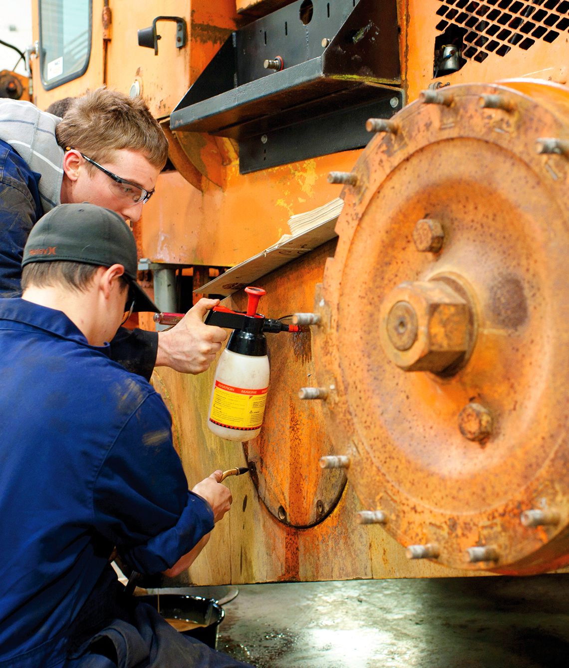 Become a heavy mechanical transport technician